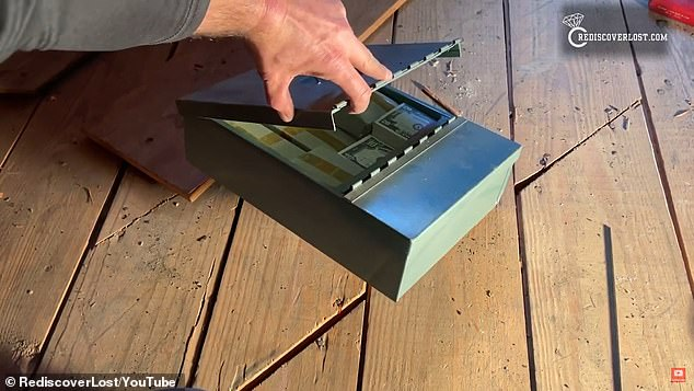 صندوق الكنز المدفون